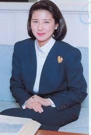 「雅子様 外務省 ファッション」の画像検索結果